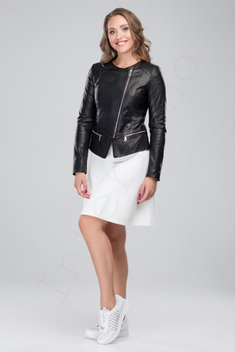 Куртка женская 23-2018 черная сбоку
