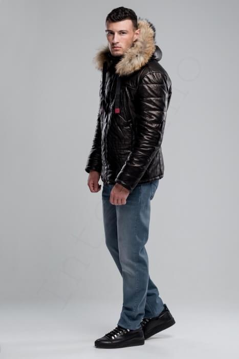 Куртка мужская 38-2018 черная сбоку