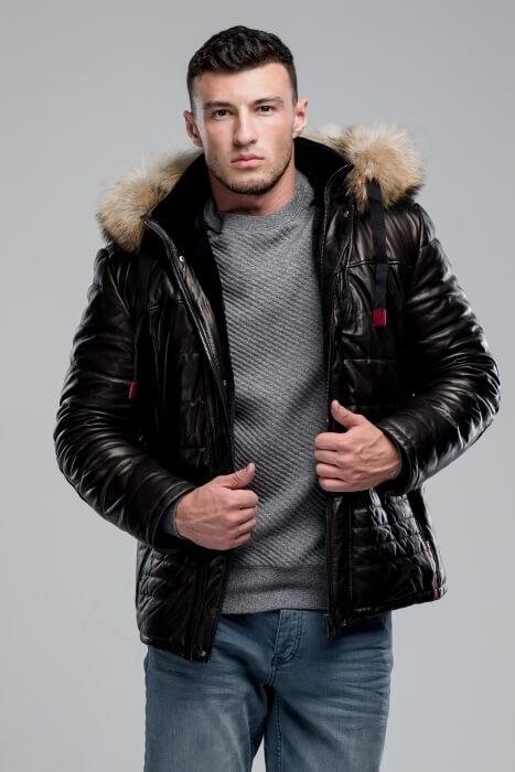 Куртка мужская 38-2018 черная крупным планом