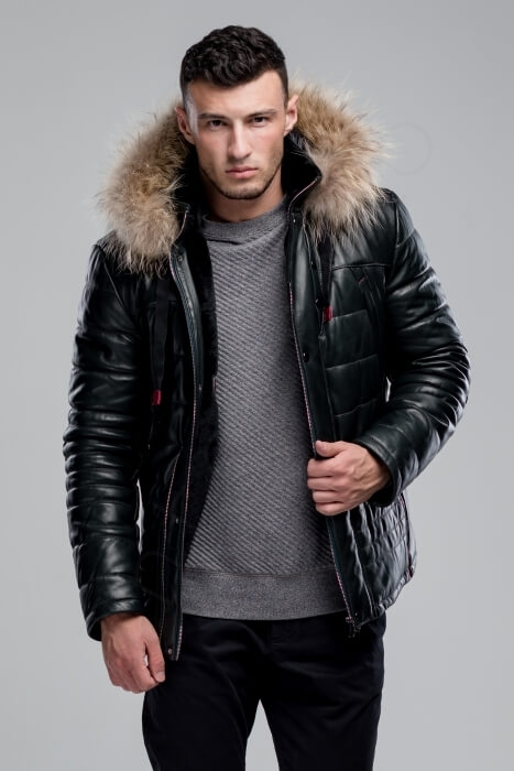 Куртка мужская 38-2018 темно-зеленая крупным планом