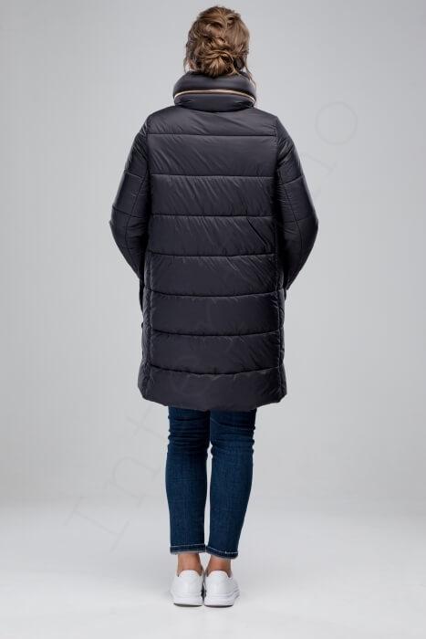 Серое пальто-пуховик с отделкой из кролика 74-2018 сзади