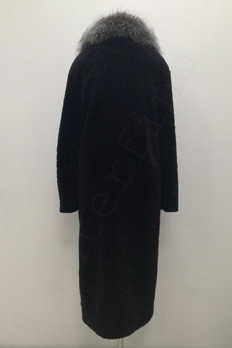 Длинная шуба из астрогана с меховым воротником из чернобурки 115-2018 сзади