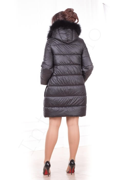 Зимний пуховик с капюшоном 56-2017 сзади