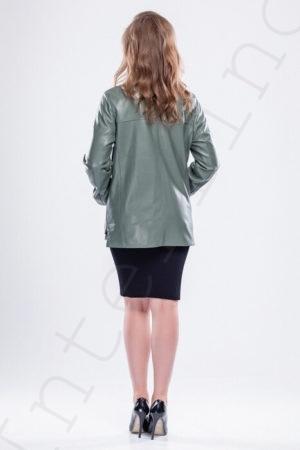 Куртка с косой молнией зеленая 52-2018 сзади