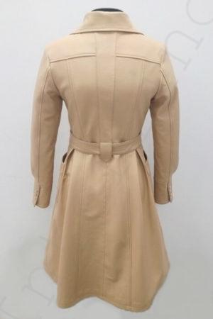 Длинный женский кожаный плащ с поясом 11-2019 бежевый сзади