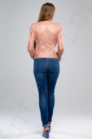 Куртка женская 23-2018 лососевого цвета сзади