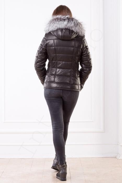 Женская кожаная куртка черная 03-2014 вид сзади